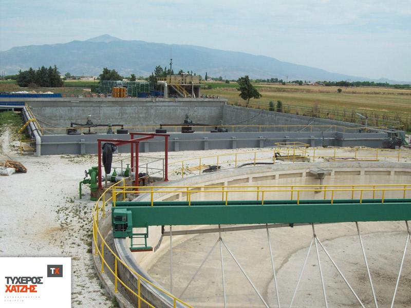 φωτογραφία από τις εργασίες στο εργοστάσιο της delmonte